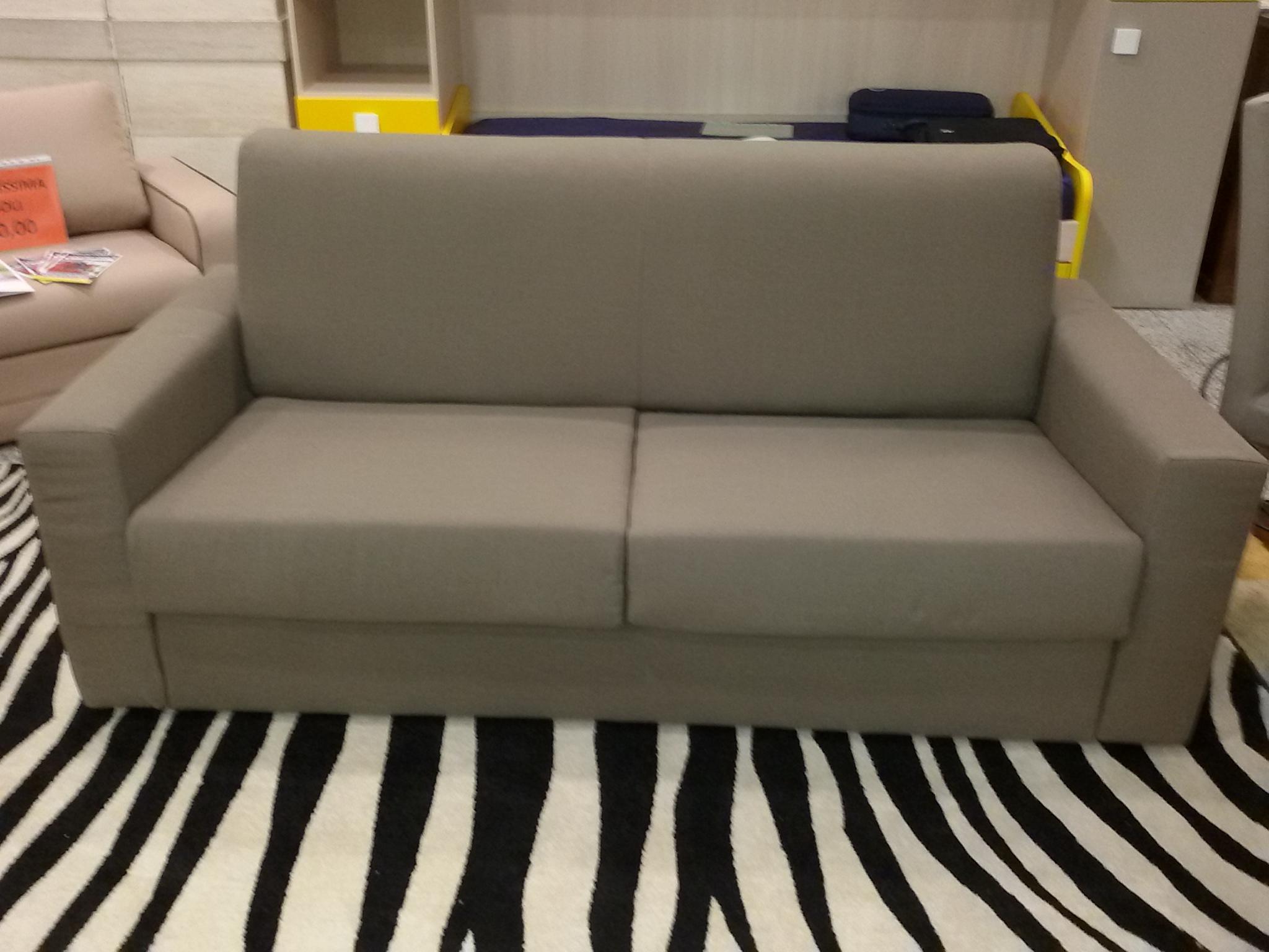 Arredo casa oristano divano letto con rete elettrsaldata for Divano letto 190 cm